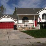 garage door red